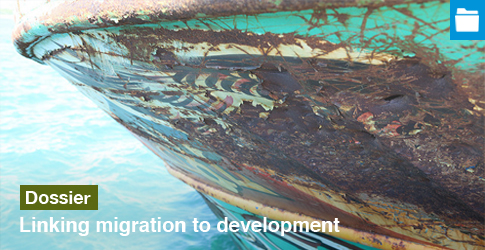 ECDPM-Dossier-Migration-Development-485x250-Photo-by-Paul-Keller-Flickr